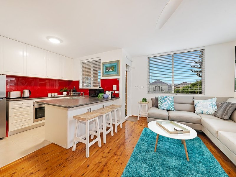 Spacious Studio – Tranquil yet only One Street from Bondi Beach, vacation rental in Bondi