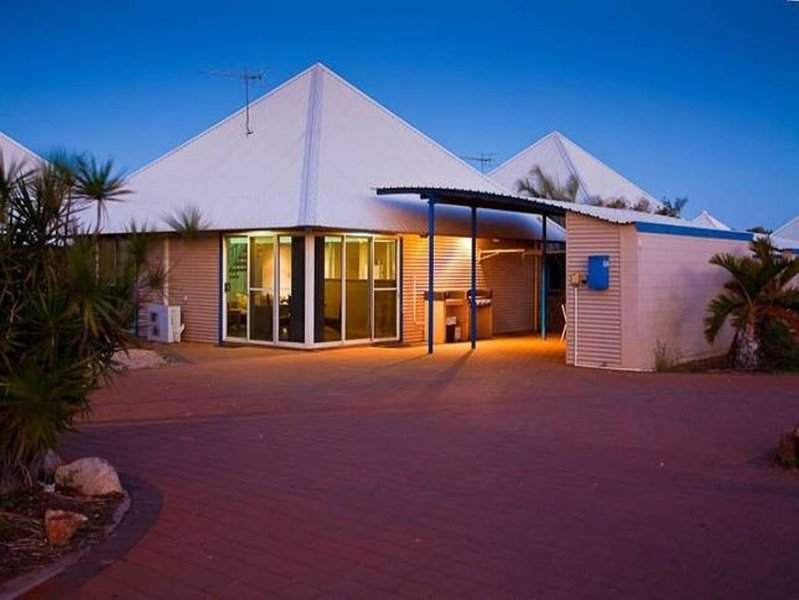 Osprey Holiday Village Unit 124 (Mates rates from $165 Nov 2020-Feb 2021!!!�), holiday rental in Exmouth