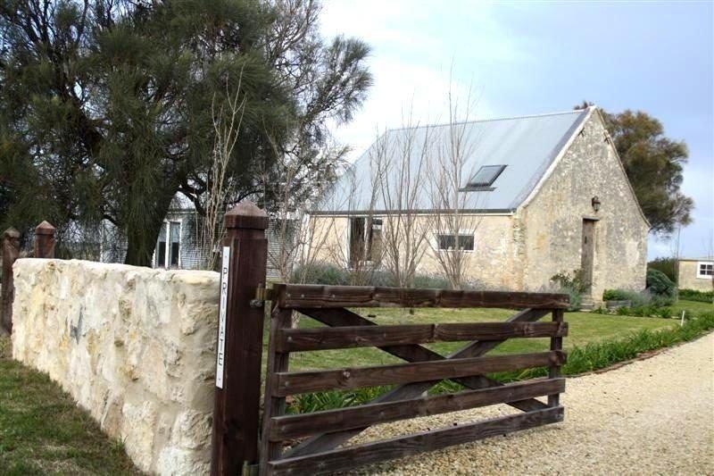 The Coach House At Denington Farm - 18 Old Naracoorte Road, casa vacanza a Vestaglia