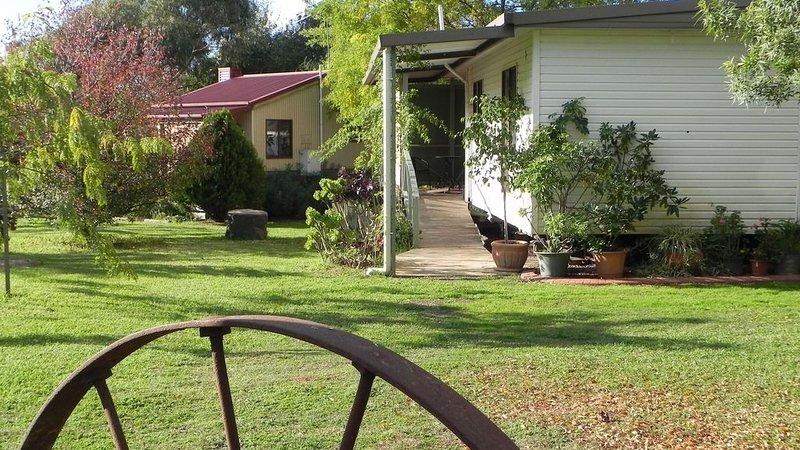 MT PILOT TOURIST FARM, holiday rental in Stanley