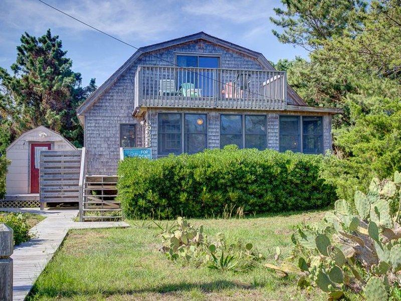 Beach Barn - Lovely 3 Bedroom Oceanside Home in Avon, vacation rental in Avon