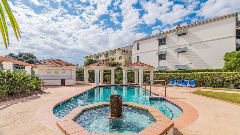 Breakers Block 1 Unit 1 - Pool in complex, vacation rental in Yamba