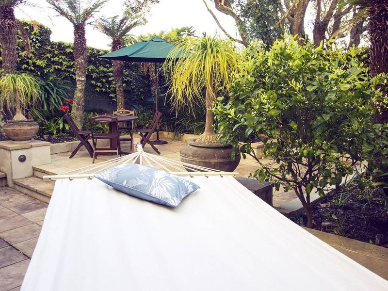 A Little Piece of Paradise ~ private suite in secluded garden setting, WIFI etc., holiday rental in Manukau