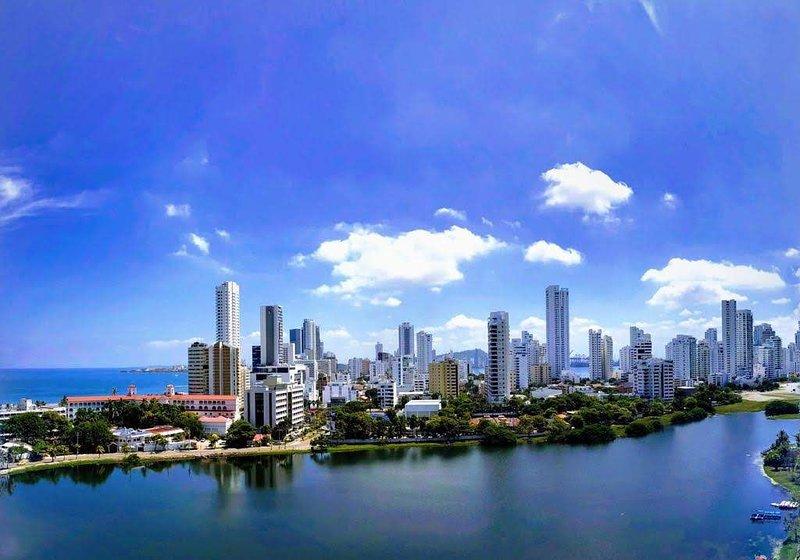 Newly Renovated Contemporary Apartment In Bocagrande - Cartagena, Ferienwohnung in Islas de Rosario