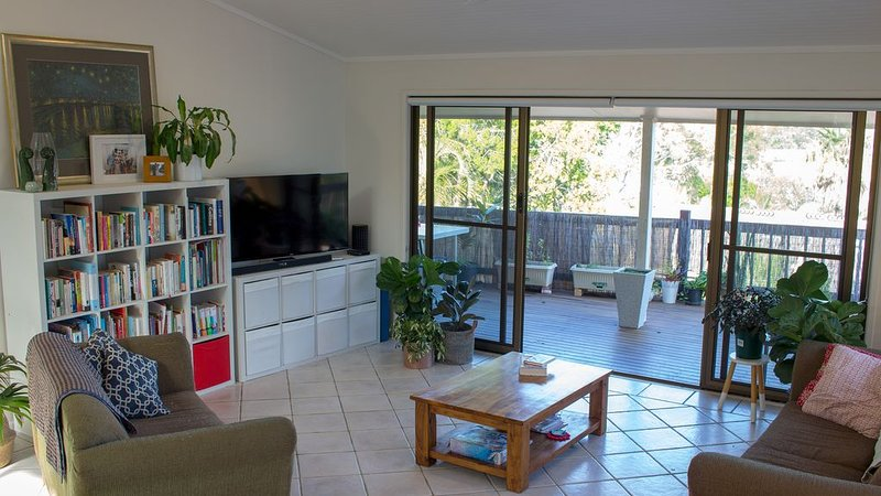 Elevated family home with pool, mountain views, walk to Noosa Main Beach, holiday rental in Noosa Heads