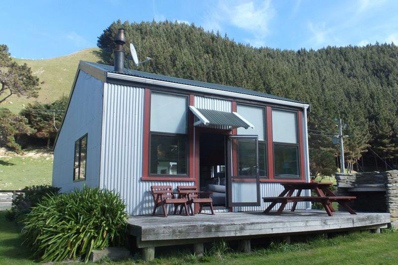 Historic Former Whaler's School Cottage, alquiler vacacional en Marlborough Region