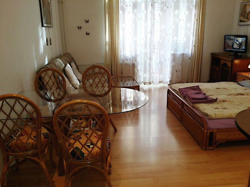 Holiday Apartments Apt. 7, holiday rental in Ostrov