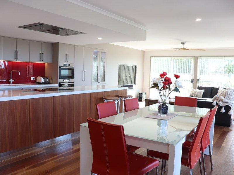 'Villa Del Mare' - Luxury Beach Front Apartment, vacation rental in Candelo