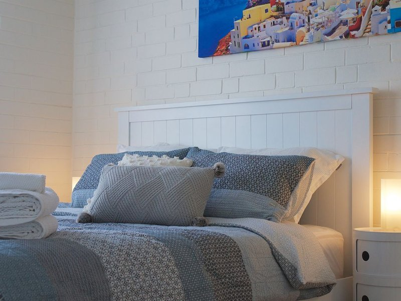 Stylish Apartment 3km for CBD, vacation rental in Dianella