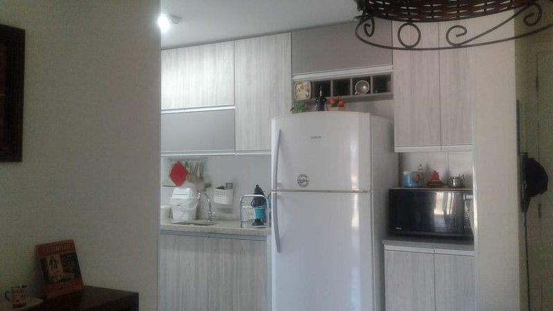 Apartamento novo em Maitinga proximo ao SESC 100m da praia, vacation rental in Bertioga
