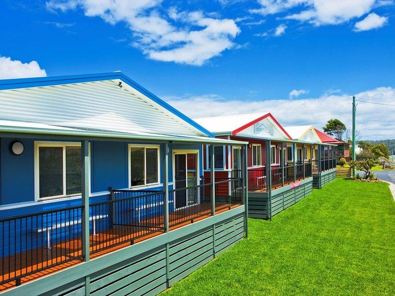 Seaview Beach House 6 - Wheelchair accessible, holiday rental in Barragga Bay