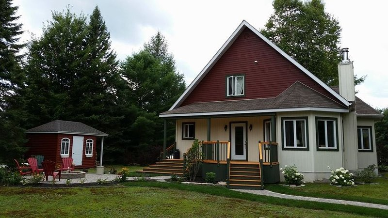 Chalet Serenity in the midst of the Tremblant action, vacation rental in Lac-des-Plages