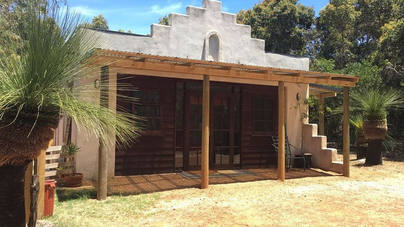 Moondah Hacienda Self contained, private villa, vacation rental in Busselton