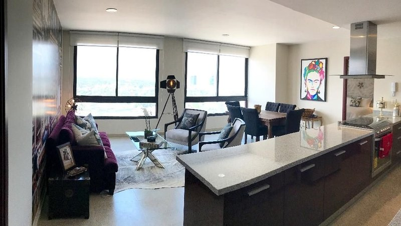 New and Modern 3 Bedroom Apartment, holiday rental in Ciudad Satelite