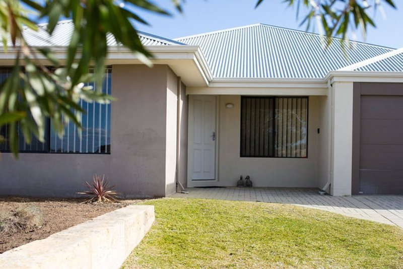 Butler Central: Great value spacious house near train station, holiday rental in Carramar