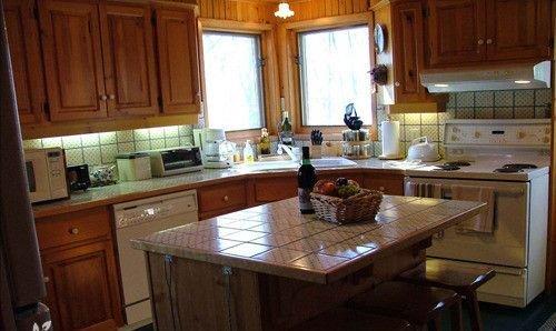 Modernt, fullt utrustat kök; extra kylskåp i garaget
