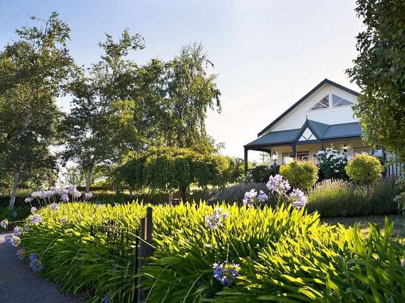 Aggies Way-2 bedrooms, 2 bathrooms, Spa Bath, holiday rental in Trentham
