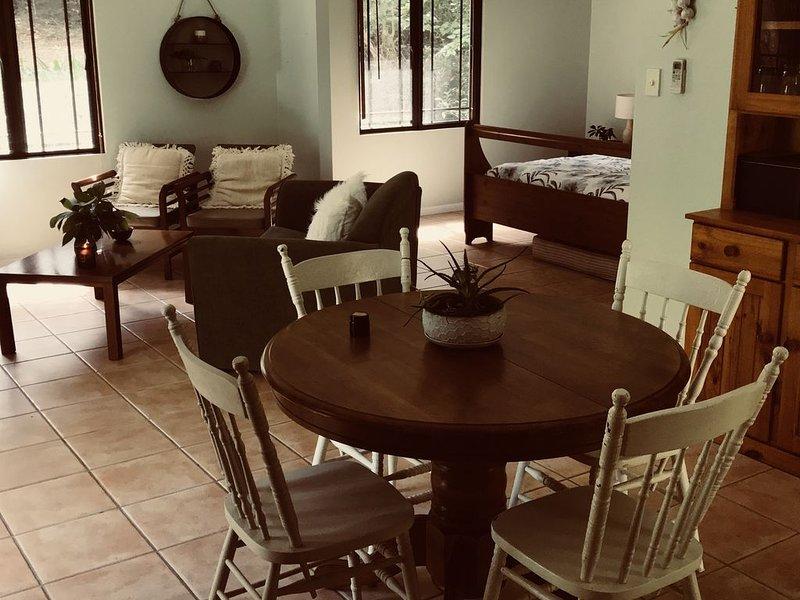 Cairns Tablelands - Luxury Riverside House, location de vacances à Kuranda