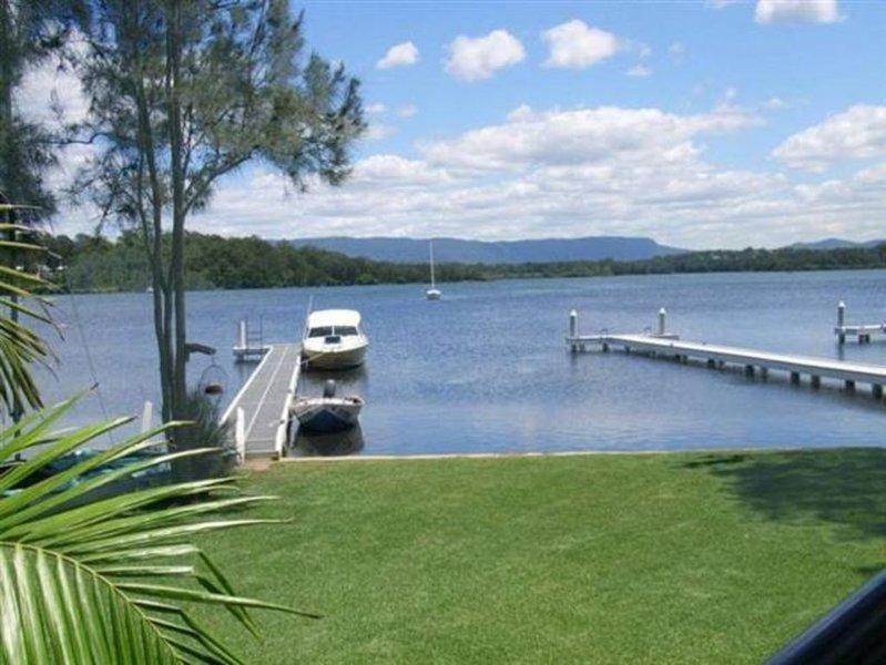 Victoria Lakeside House, alquiler de vacaciones en Lake Macquarie