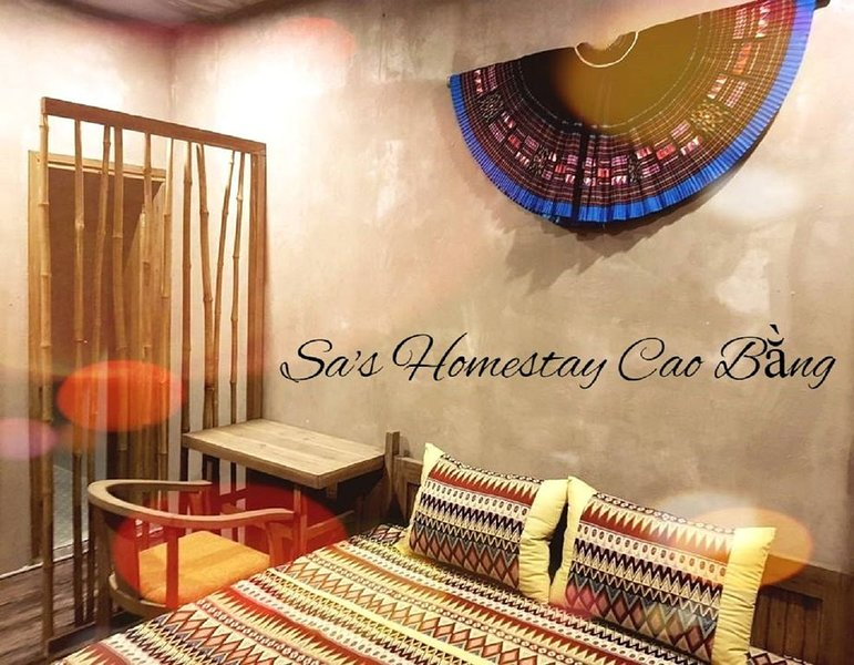 With city views, Sa's home is set in Cao Bằng and has free WiFi, location de vacances à Cao Bang