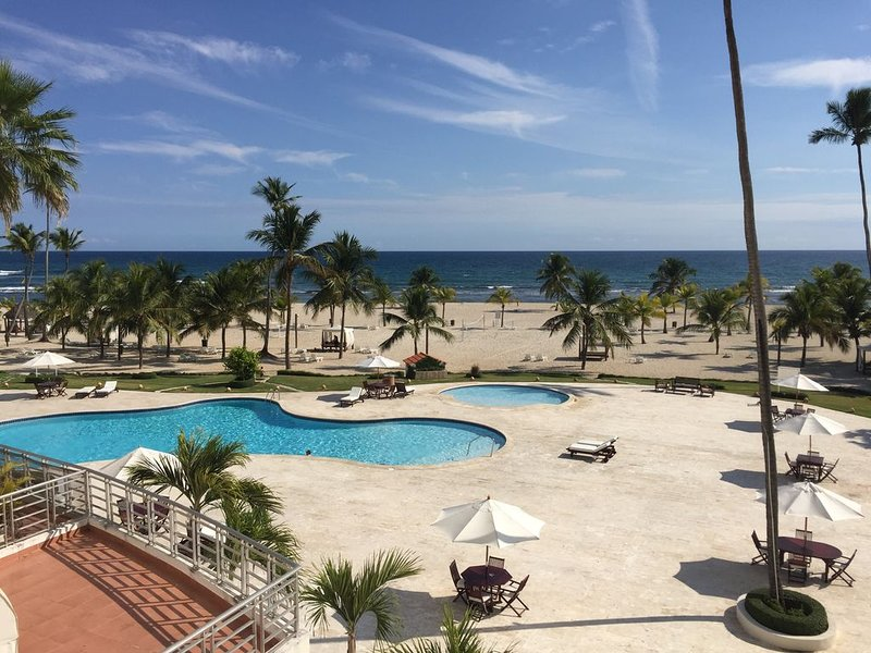 Ocean Front Condo at Costa Del Sol I Juan Dolio Dominic Republic, aluguéis de temporada em Juan Dolio