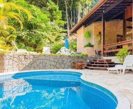 Linda Mansão na Praia Vermelha do Sul (Arquitetos) 5 suítes Piscina Ar Ubatuba, casa vacanza a Ubatuba