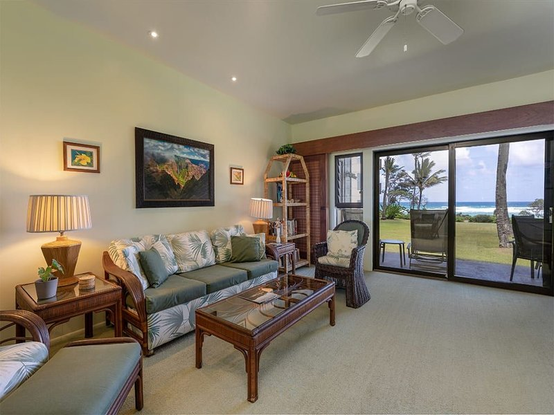 Ground Floor Ease w/Lanai, Full Kitchen, Ceiling Fans, WiFi, TV+DVD–Kaha Lani 11, casa vacanza a Lihue