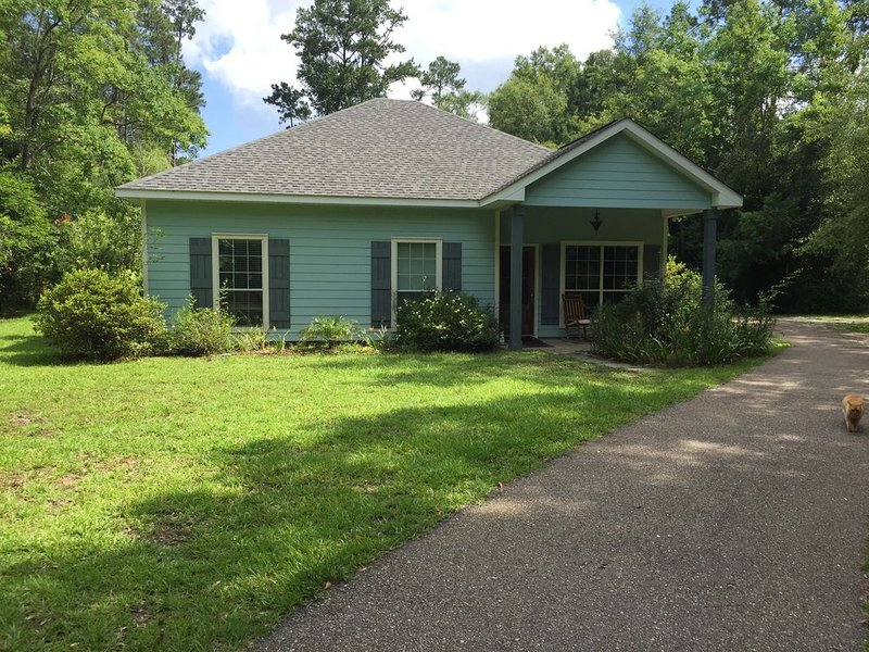 Abita Bungalow, Monthly Rental (3 br house), vacation rental in Folsom