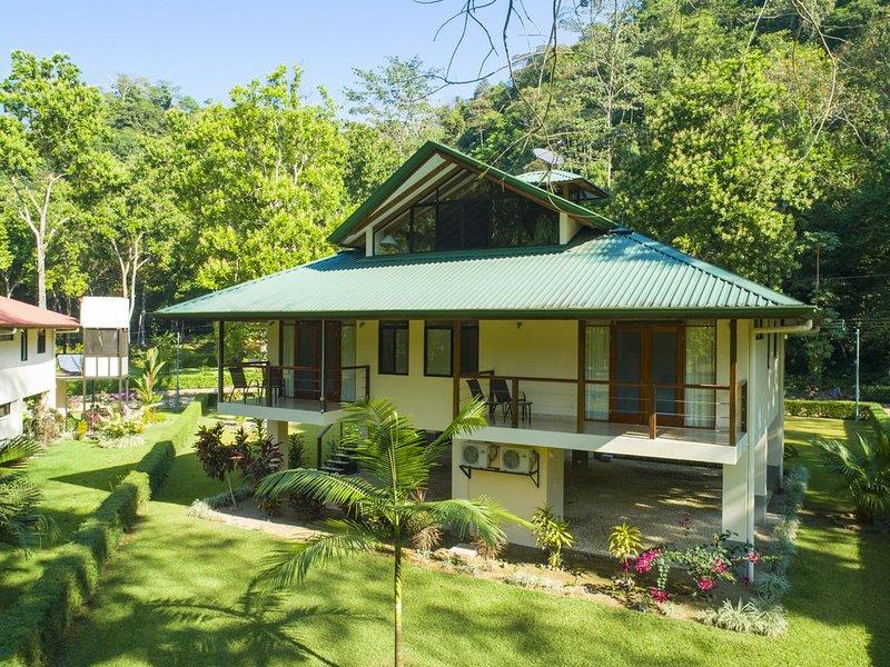 Relax at Casa Serenidad, aluguéis de temporada em Palmar Norte