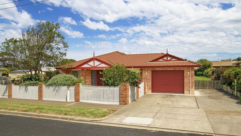 Spacious Family Friendly Holiday House On One Level with Extensive Outdoor Area, vacation rental in Nungurner