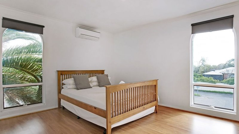 Adelaide Holiday Homes - Two Bedrooms Apartment, holiday rental in Pooraka