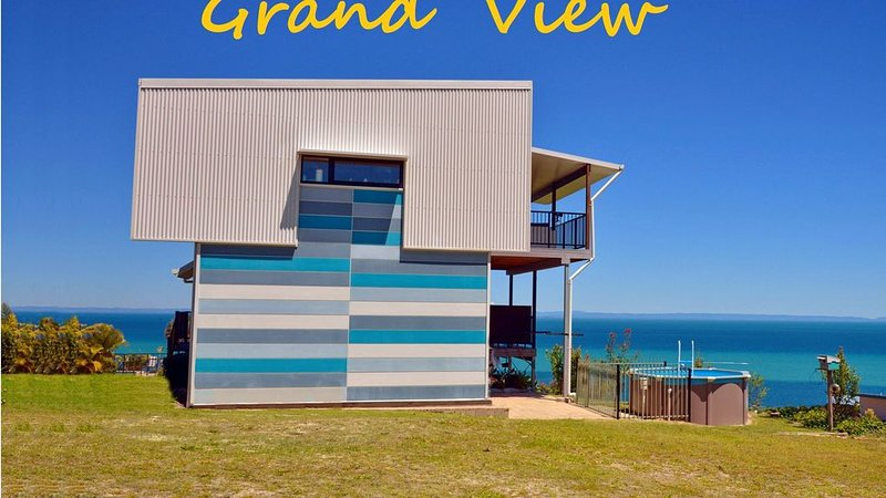 GRAND VIEW on MORETON: Architect Designed & Owned, holiday rental in Moreton Island
