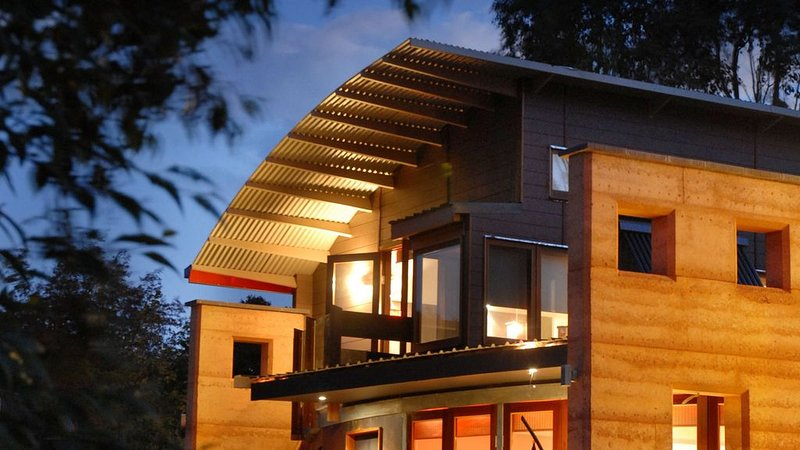 Sustainable Eco Apartment 1- Mt Beauty, holiday rental in Smoko