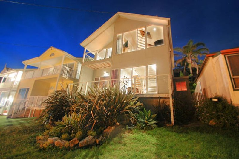 Exceptional Ocean Views in this modern, family orientated  home., holiday rental in Thirroul