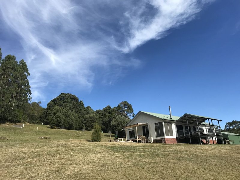 Barramunga = Otways Peace & Tranquility with Great Ocean Road convenience., vacation rental in Kennett River