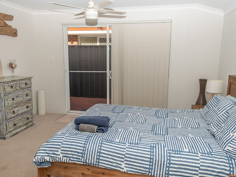 Private Guest House With Ammennities. Walking distance 2 the beach and shops, holiday rental in Jarrahdale