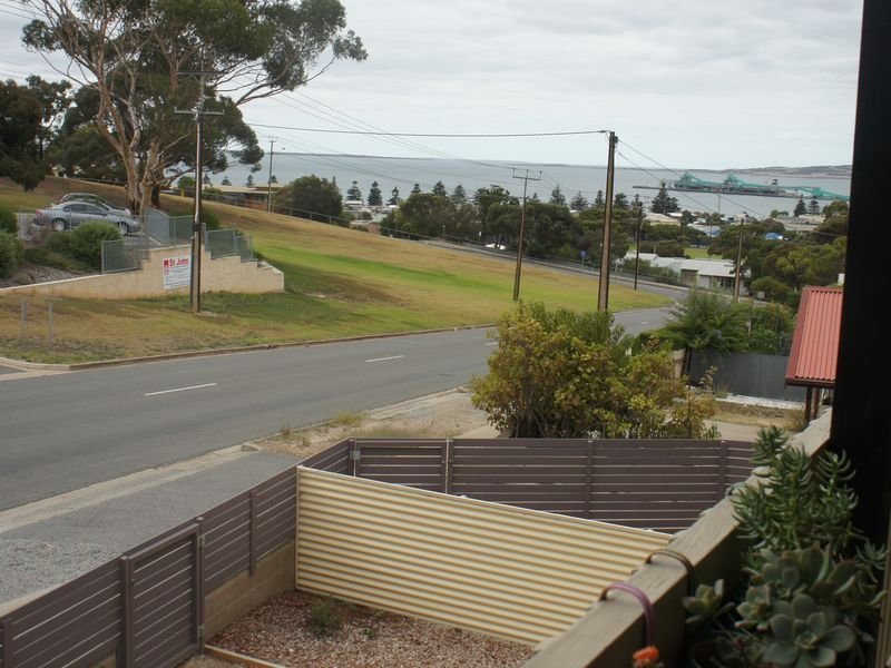 A & K Miller's Port Lincoln Studio Apartment, holiday rental in Port Lincoln