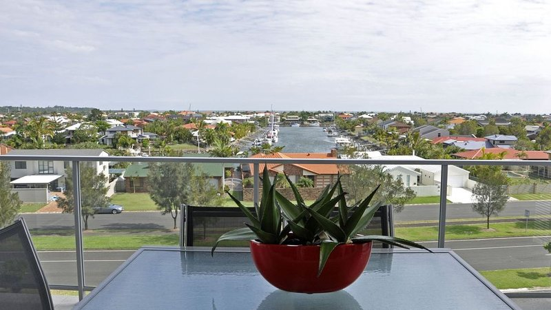 38/150 Middle Street, holiday rental in Macleay Island