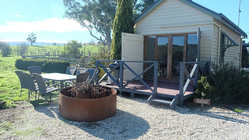 Yea Cabin/Bunk House, alquiler de vacaciones en Tallarook