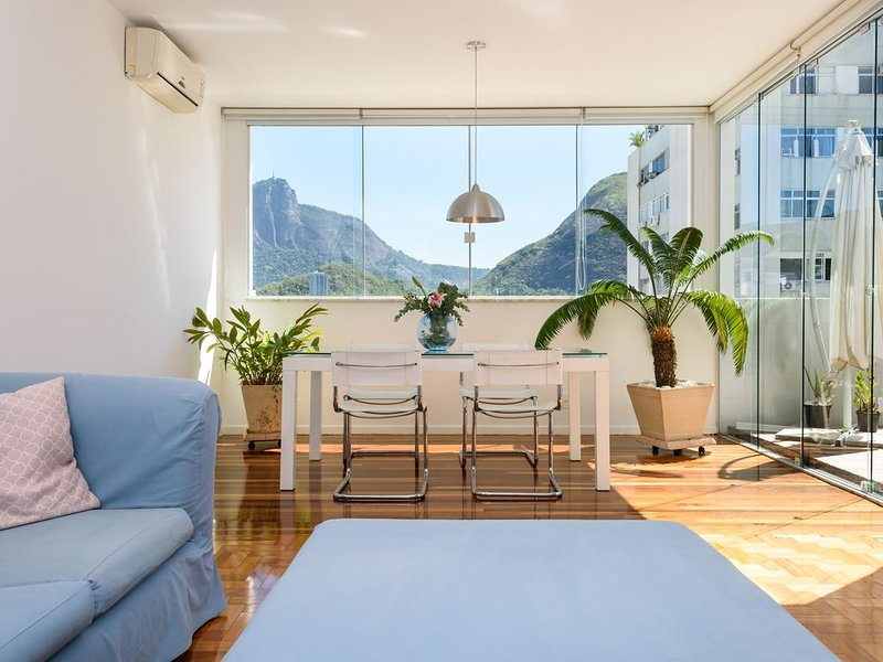 Amazing penthouse with a stunning view in Ipanema, vakantiewoning in Rio de Janeiro
