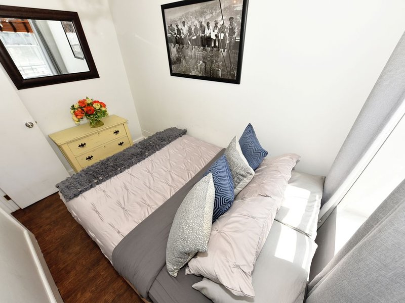 Charming Traditional NYC 3 Bedrooms 2 Full Baths, vacation rental in Weehawken