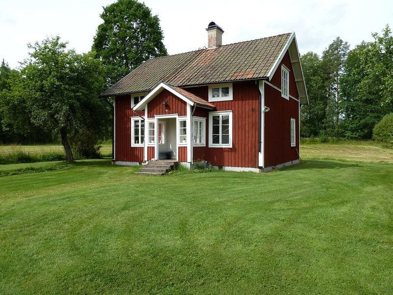 Wonderful Traditional Swedish Farmhouse ~ The Perfect Place To See real Sweden!, vacation rental in Kristinehamn