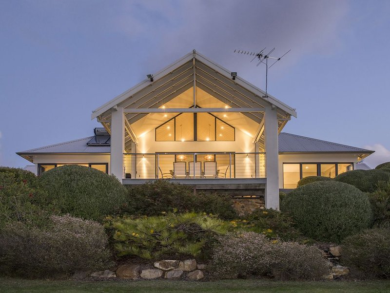 Bay Views,  Eagle Bay, holiday rental in Cape Naturaliste