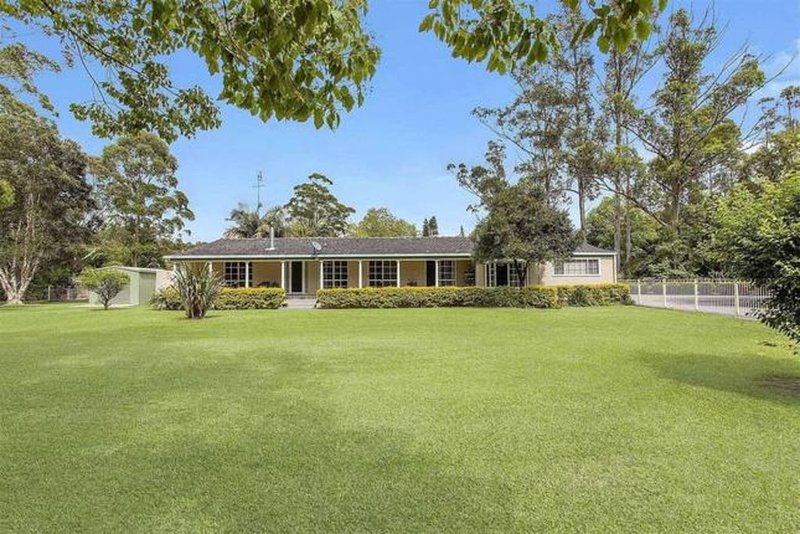 FountainStar-acreage holiday house * Central Coast SLEEPS 20 POOL, holiday rental in Ourimbah