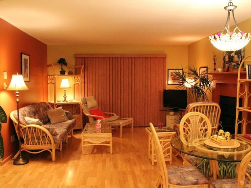 Magog Lovely Vacation Home, holiday rental in Bolton-Est