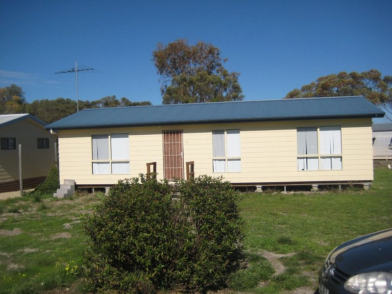 Pinus Craziartus - The Pines, holiday rental in Corny Point