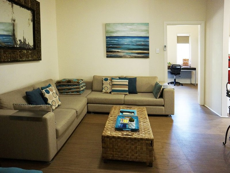 Beautiful cottage with Studio in South Fremantle., holiday rental in Spearwood