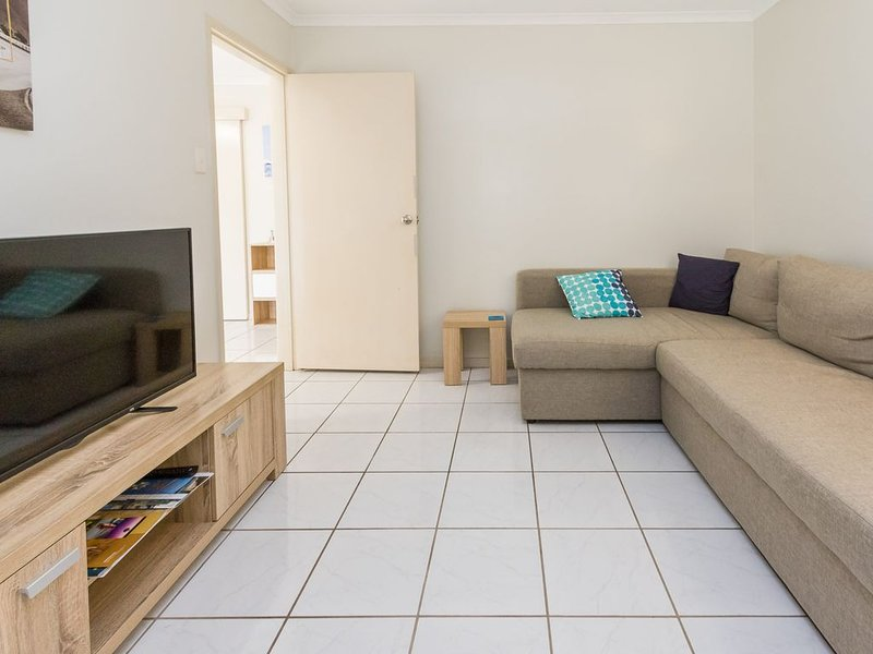 Comfy and Cosy ground floor unit, location de vacances à Baie d'Hervey
