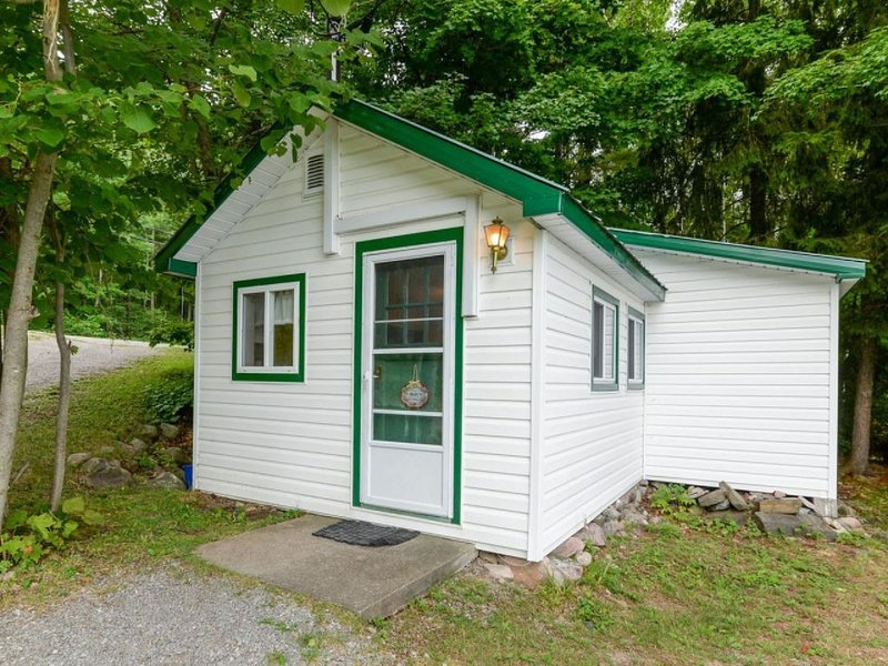 Cottage#1: Pristine Waterfront! Cottages at Bon Echo's Edge, holiday rental in Lennox and Addington County