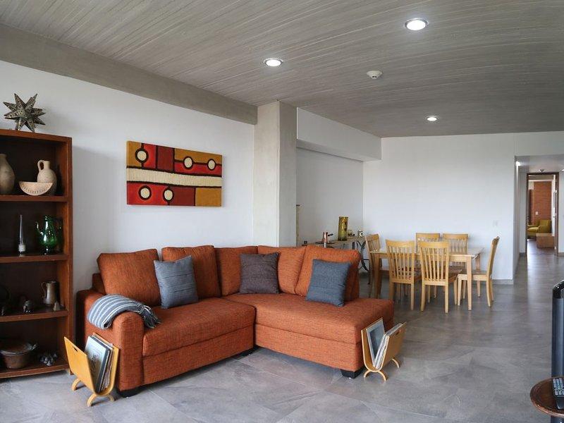 Confortable apartamento nuevo, Colonia Americana, vacation rental in Guadalajara